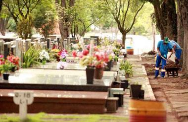 Cemitério Municipal permite reforma e limpeza nos túmulos até sexta-feira (10).