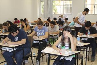 Unicesumar abre inscrições para vestibular de 44 cursos de diferentes áreas