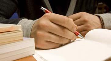 UEM abrirá concurso para analista, biólogo e engenheiro