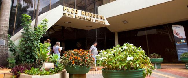 Prefeitura funcionará em turno único hoje (29)