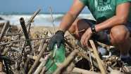 Plástico retirado dos oceanos do Paraná será transformado em brinquedo