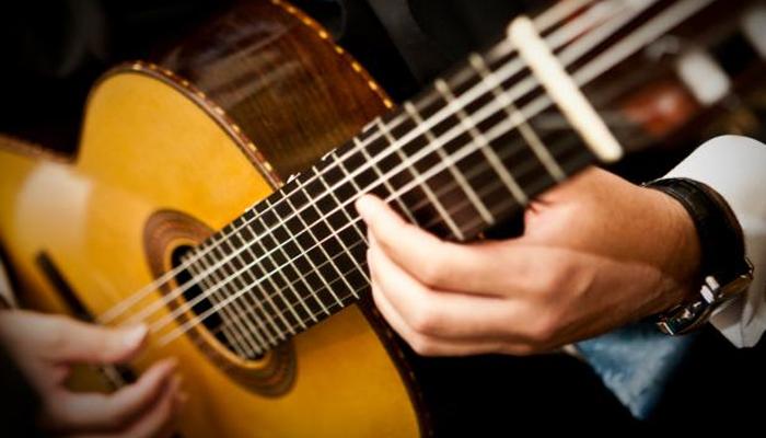 UEM oferece curso de violão, violino e viola