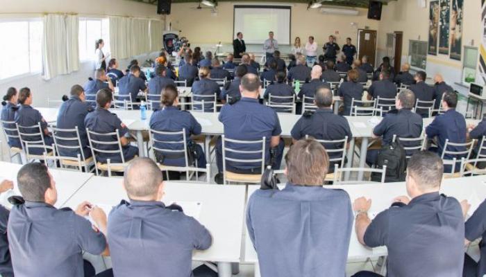 Guardas municipais recebem capacitação para atuar na Lei Maria da Penha