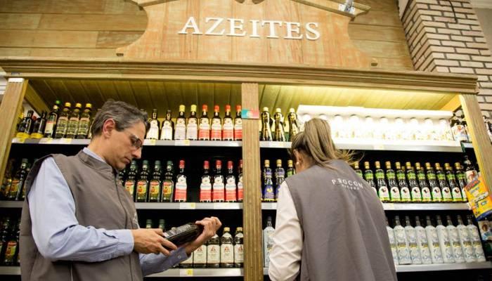 Procon fiscaliza comercialização de azeites de oliva proibidos
