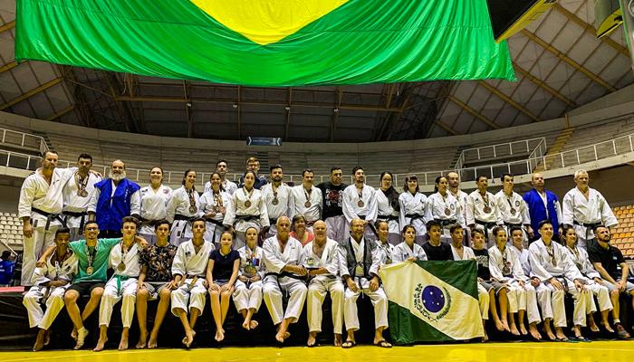 Atletas garantem medalhas no campeonato brasileiro de Karatê-Dô Tradicional
