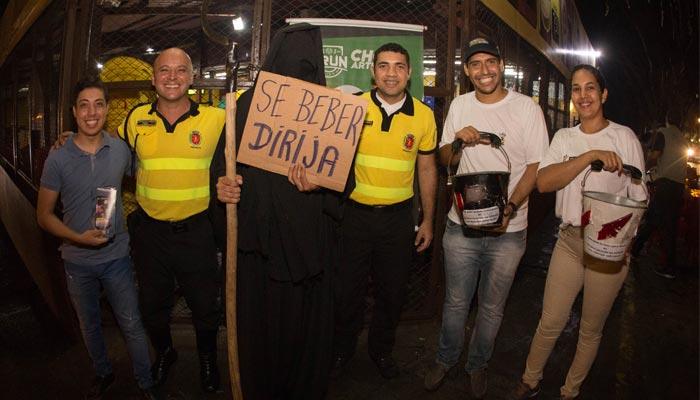 Secretarias visitam bares para conscientização do abuso álcool e uso de drogas