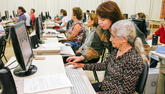 Universidade Aberta à Terceira Idade abre vagas para cursos de férias