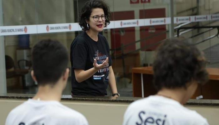 UEM em parceria com a Politize oferece curso de extensão sobre política