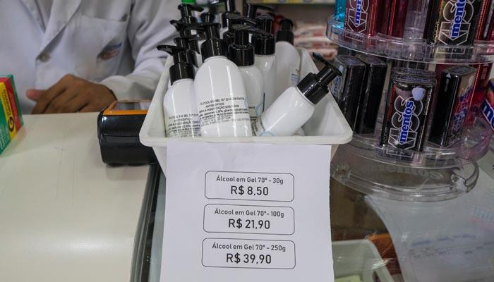 Farmácias de Maringá são fechadas por preços abusivos de álcool em gel