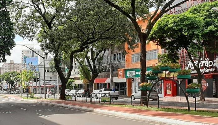Prefeitura permite a abertura de mais estabelecimentos com restrições, confira