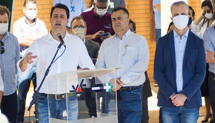 Governador permitirá abertura de shoppings, academias e igrejas