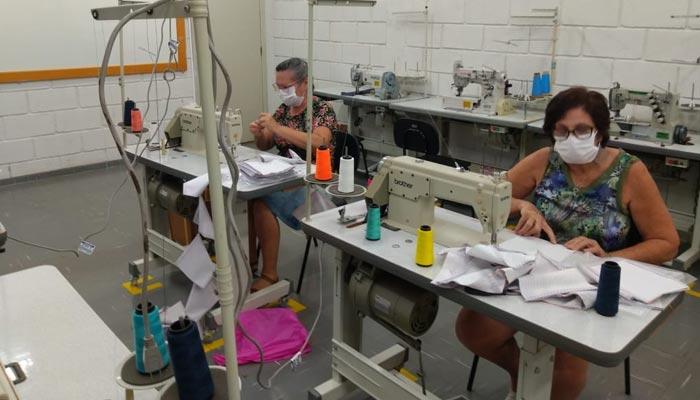 Cursos da UEM produzem máscaras para proteção contra COVID-19