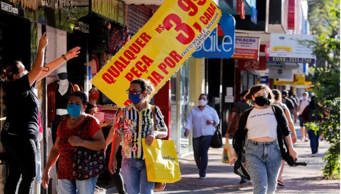Comércio de rua poderá funcionar até 18 horas nos dois primeiros sábados de fevereiro