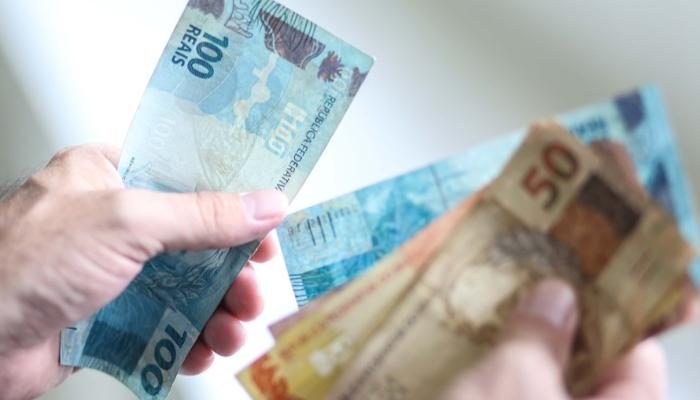 Governo Federal propõe salário mínimo de R$ 1.067 em 2021
