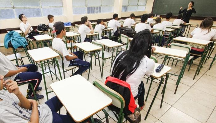 Aulas da rede estadual serão retomadas no Paraná em setembro
