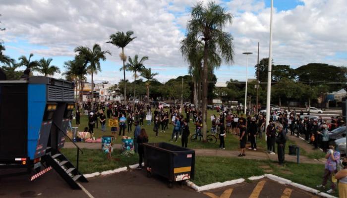Entidades maringaenses organizam ato contra xenofobia e racismo