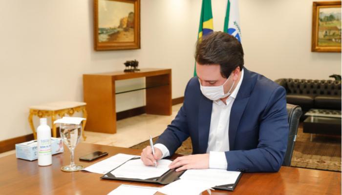 Governo do Paraná propõe R$ 100 milhões para compra de vacina contra o coronavírus