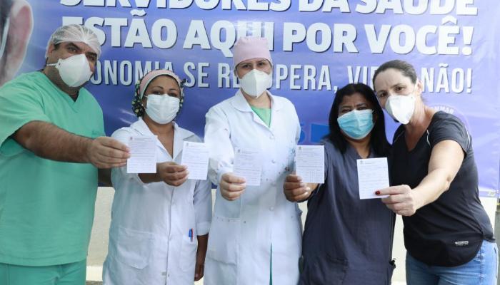 Nos dois primeiros dias de campanha, 3 mil pessoas foram vacinadas contra o coronavirus em Maringá