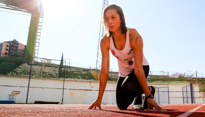 Atleta maringaense atinge liderança brasileira em 400 metros rasos