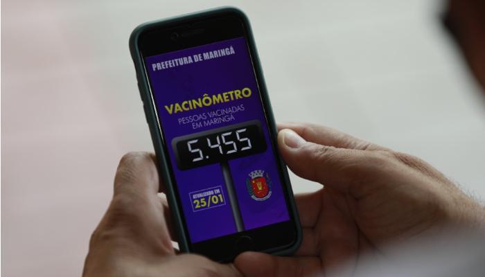 """Prefeitura lança """"Vacinômetro"""" e amplia acesso à informação total de doses aplicadas no município"""