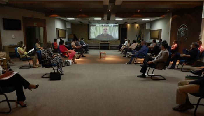 Sociedade Médica de Maringá se reúne para discutir medidas e evitar um possível colapso na saúde