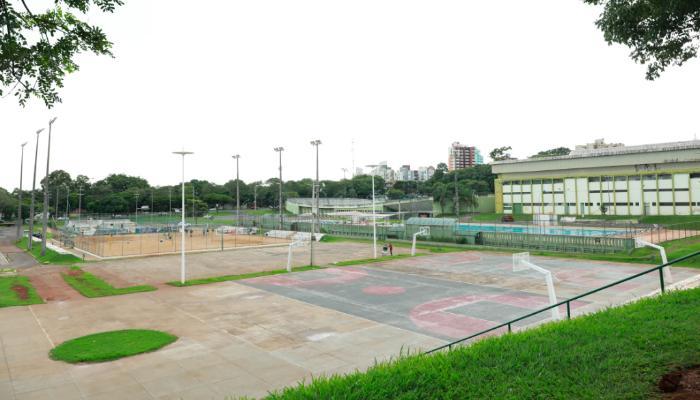 Secretaria de Esportes suspende uso de quadras em Maringá