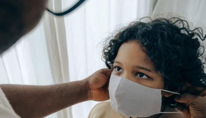 Aumenta o número de casos confirmados de Covid-19 em crianças no Paraná