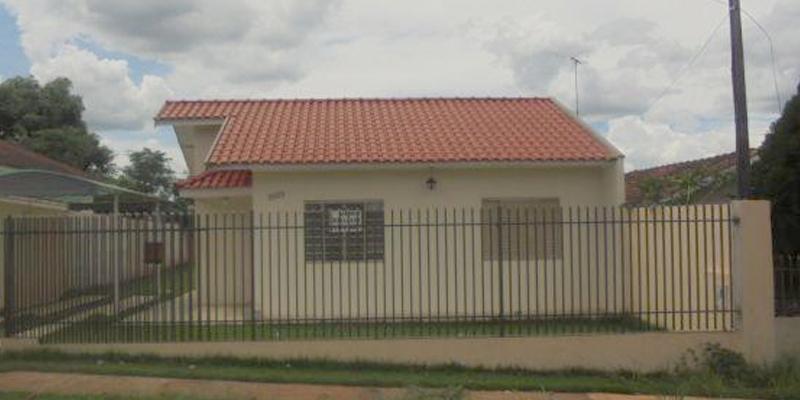 Mutuários de Maringá comemoram conquista da casa própria