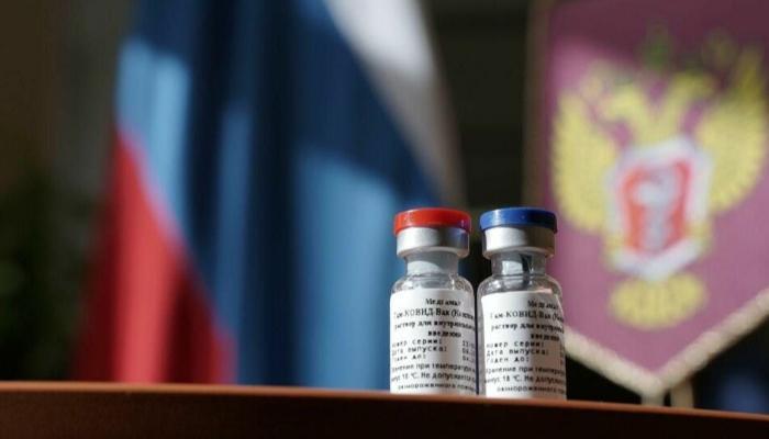 Rússia inicia transferência de tecnologia que pode permitir produção de vacina no Brasil