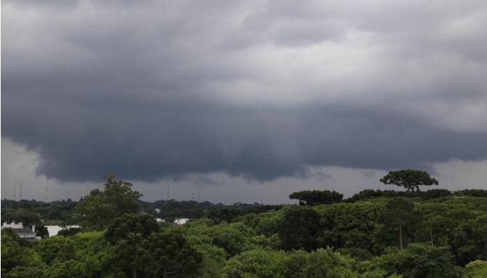 Com menor intensidade, novo ciclone extratropical pode atingir o Paraná
