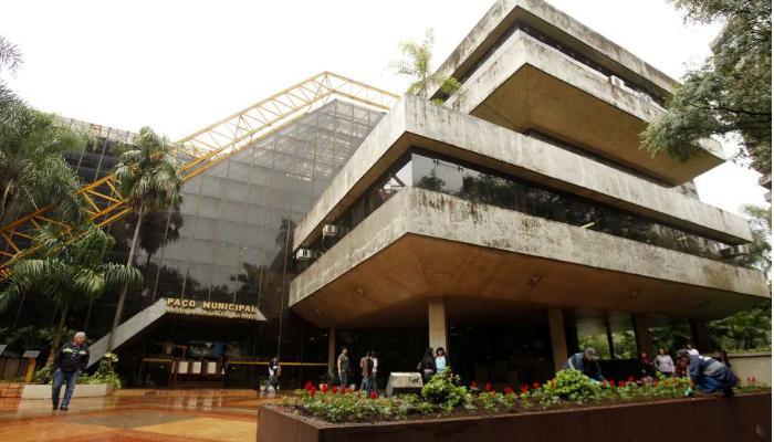 Liminar cobra redução de secretarias e cargos na prefeitura de Maringá