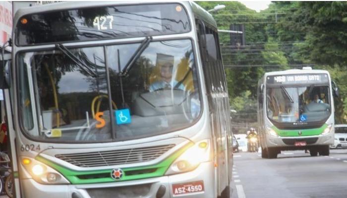 Prefeitura reconsidera e autoriza ônibus aos finais de semana