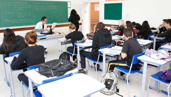 Ampliação dos colégios cívico-militares no Paraná é aprovada na Assembleia