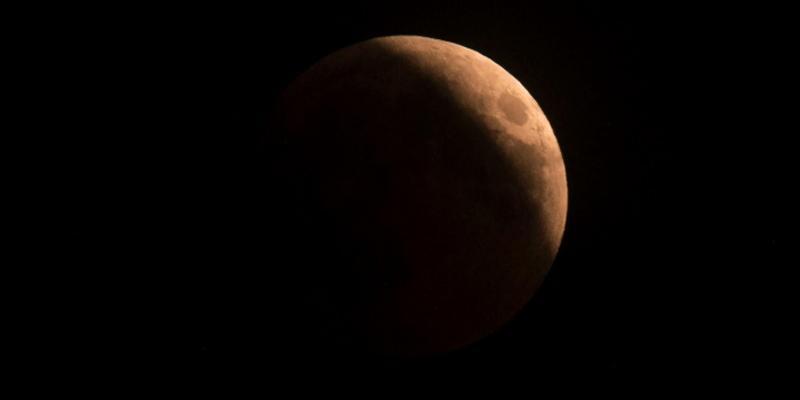 Lua terá eclipse total nesta quarta-feira