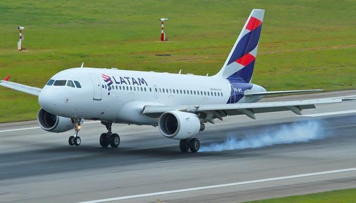 Companhia aérea LATAM volta a operar vôos em Maringá